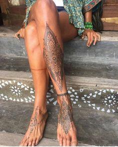 Absolut umwerfende, einzigartige Tattoo-Ideen für Frauen, die extrem gorgeu sind beintattoo - diy best tattoo ideas Absolutely stunning unique tattoo ideas for women who are extremely gorgeu leg tattoo Trendy Tattoos, Sexy Tattoos, Body Art Tattoos, Tattoo Art, Tatoos, Tattoo Moon, Women Leg Tattoos, Unique Tattoos For Women, Henna Foot Tattoos