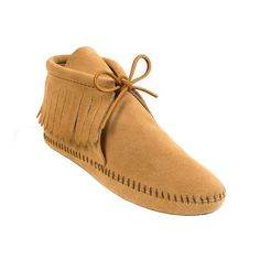 Minnetonka Classic Fringe softsole boot, $40 minnetonkamoccasin.com Moccasin Boots, Suede Boots, Moccasins, Festival Accessories, Minimalist Shoes, Fringe Boots, Buy Shoes, Smooth Leather, White Leather