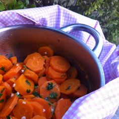 Cooking Tricks with Cristina: Coriander Carrots / Cenoura com coentros #carrots #coriander # cooking #cookingtricks #cookingtrickswithcristina