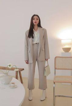 51 Comfy Fashion Trends To Copy Asap – Fashion New Trends Korean Girl Fashion, Korean Fashion Trends, Korean Street Fashion, Asian Fashion, Look Fashion, Hijab Fashion, Fashion Outfits, Winter Fashion, Classy Fashion