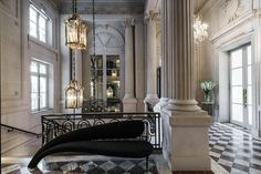 This historic building dates originally from the 18th century, but only some of the grandest rooms at the front of the hotel survive from this period. The renovation has transformed the rest of the hotel with extraordinary attention to detail. The old black and white marble of the entrance foyer has been replaced with polished stone, which has also been used to line the walls, carved into decorative pilasters and arches. Best Paris Hotels, Crillon Paris, Le Palace, Pink Palace, Century Hotel, 18th Century, Rosewood Hotel, Most Luxurious Hotels, Luxury Hotels