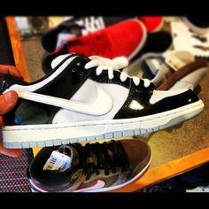 "NIKE SB DUNK LOW ""CONCORD"" #sneaker"