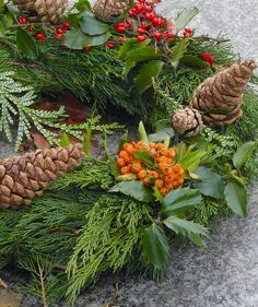Make Your Own Wreath at Home / Portland Nursery Newsletter