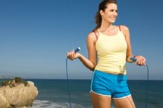 Summer Fitness: 5 Healthy Ways to Beat the Bloat