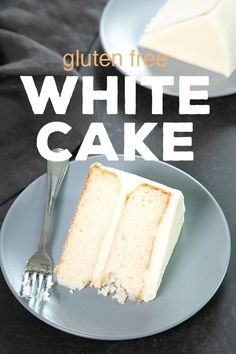This bakery-style gluten free white cake, made without any egg yolks, is the perfect moist and tender blank canvas to dress up for any occasion. - The Perfect Gluten Free White Cake Gluten Free Vanilla Cake, Gluten Free Sweets, Gluten Free Cakes, Gluten Free Baking, Gluten Free White Cake Recipe, Gf Cake Recipe, Cookies Sans Gluten, Dessert Sans Gluten, Gf Recipes