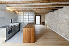Flat for a photographer on Behance Mini Loft, Lofts, Hotel Lobby Design, New Project Ideas, Living Etc, Studio Living, Glass Blocks, Location, Kitchen Interior