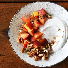 Peach + pecans + greek yogurt + a little cinnamon + 1/4 tsp of vanilla extract = your new favorite breakfast. #BuzzFeedGetFit