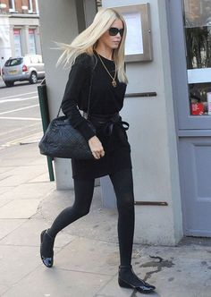We are in love with the #Mommy #Streetstyle looks of supermodel Claudia Schiffer. From skirts, dresses to flared jeans see her versatile looks In today's Pret a Mama Style File ==> www.pretamama.com
