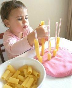 Activities to improve fine motor skills - Kinderspiele Baby Sensory Play, Sensory Activities Toddlers, Motor Skills Activities, Infant Activities, Baby Play, Baby Toys, Montessori Toddler, Toddler Play, Toddler Preschool
