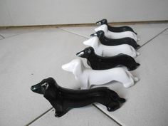Set of 6 Vintage FRENCH DOGS KNIFE RESTS  : BLACK & WHITE DACHSHUNDS