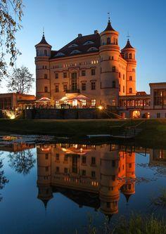 https://flic.kr/p/osHXFV | here you can bear it | Palac Wojanow Jelenia Gora, Poland my hotel in Poland for 4 nights
