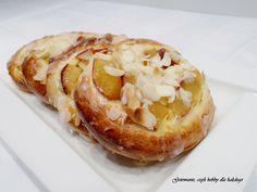 Ślimaki drożdżowe ze śliwkami i masą serową :D #recipes #buns #plums #blogger