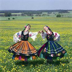Zespol Slask; Lowiczanki; PRL; koszecin; taniec; sztuka; kultura; hadyna; folklor; slask; stroje ludowefot. Wojciech Krynski / Forum