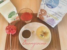 Buongiorno a tutti! Si comincia bene con spremuta, biscotti, caffè e un frutto. #benessere