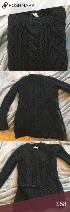 Gerard Darel sweater with zipper on the side Gerard Darel sweater with zipper on the side Gerard Darel Sweaters Crew & Scoop Necks