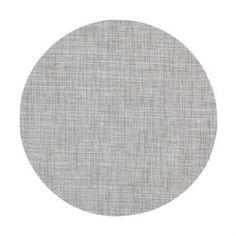 Skapa en enkel och minimalistisk dukning med Sixten bordstablett rund från svenska Dixie. Bordstabletten är tillverkad i PVC och polyester med ett diskret vävt mönster som är enkelt att matcha med olika typer av porslin och glas. Bordstabletten finns tillgänglig i olika färger, välj din favorit!