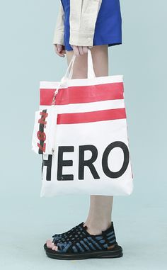 Low Classic Hero Bag