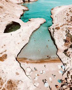 Greek Island Hopping, Travel Goals, Travel Tips, Packing List For Travel, Budget Travel, Us Travel, Greece Travel, Paros, Naxos Greece