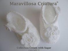 Zapatos de bebé comodos y suaves en color blanco de Maravillosa Criatura por DaWanda.com