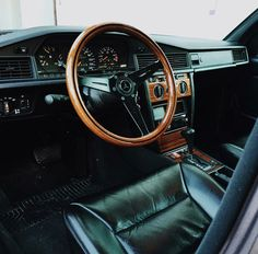 Mercedes-Benz W201_190E Mercedes Benz World, Mercedes Benz 190e, My Dream Car, Dream Cars, Mercedez Benz, London Tattoo, Classic Mercedes, Tuner Cars, Bmw E30