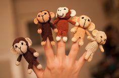 a handful of monkeys Crochet For Kids, Crochet Baby, Amigurumi Patterns, Crochet Patterns, Small Projects Ideas, Octopus Crochet Pattern, Finger Puppet Patterns, Five Little Monkeys, Crochet Monkey
