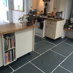 Brazilian Riven Multicoloured Slate Wall and Floor Tiles 400x200 - Beautiful multicolour natural slate tiles. We have the UK's largest stocks of Natural Slate Tiles available at Mrs Stone Store.