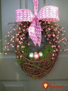 82164f9b7 21 prekrásnych nápadov, ako si na jar vyzdobiť vchodové dvere a verandu:  Tieto dekorácie