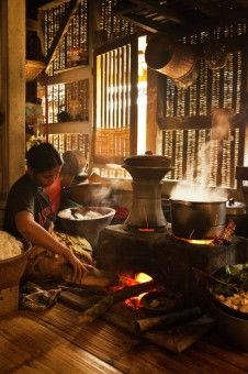 Indonesian Traditional Kitchen. I love the idea to preserve this style kitchen but it does really hard to keep it to look clean.