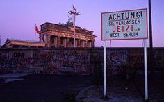 Per il venticinquesimo anniversario della caduta del Muro di Berlino. #berlinoest #muro #berlino #germaniaest