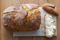Bardzo prosty chleb nocny na drożdżach Bread Shaping, Bread Bun, Kielbasa, Rolls Recipe, Bread Recipes, Sweet Recipes, Catering, Salads, Recipies