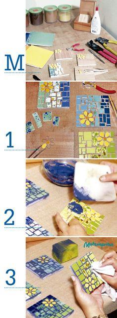 paso a paso viernes 18 dde julio Mosaic Tile Art, Mosaic Diy, Mosaic Garden, Mosaic Glass, Tile Crafts, Mosaic Crafts, Mosaic Projects, Mosaic Designs, Mosaic Patterns