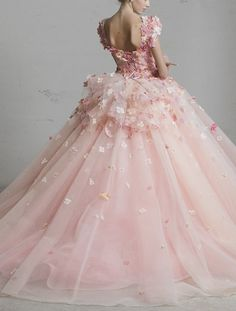 Little rainbow book, poisoned-apple: Yumi Katsura haute couture gowns. Ball Dresses, Ball Gowns, Haute Couture Gowns, Couture Dresses, Fairytale Dress, Pink Wedding Dresses, Tulle Wedding, Fantasy Dress, Quinceanera Dresses