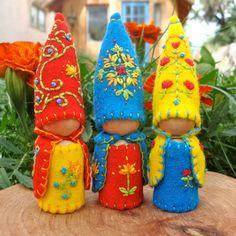Scandinavian-style felt & peg gnomes