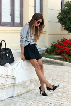 oversize long sleeve + flounce skirt + patent leather slipper heels