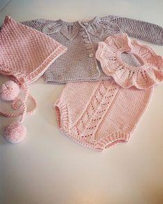 """Babystrikk er en takknemlig form for strikking - noen timers arbeid og """"plutselig"""" er man ferdig 🌸"""