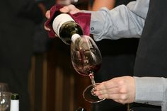 We nodigen jullie uit voor de najaarsproeverij op vrijdag 23 september. Deze avond heeft als thema: 'de nieuwe wereld'. We zullen wijnen laten proeven uit o.a. Chili en Argentinië, Australië, Zuid-Afrika en Californië, kortom: landen buiten Europa.  Lees verder op onze website.