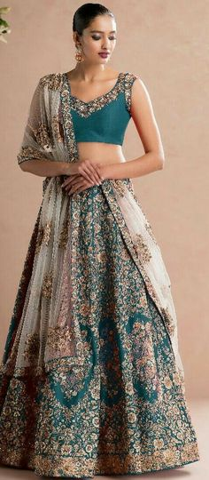 Indian Attire, Indian Wear, Indian Dresses, Indian Outfits, Choli Dress, Pakistani Wedding Outfits, Lehenga Style, Indian Bridal Lehenga, Traditional Fashion