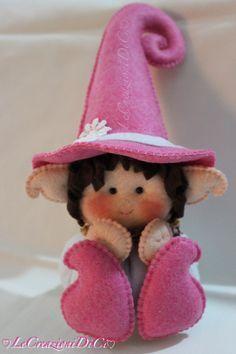 http://www.pinterest.com/faksovam/felt-dolls-fairies-princess-mermaids/