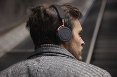 Commute Headphones by VAIN STHLM are high-performance wireless headphones with metal housing perfect for your everyday commute. They have noise-reducing ear cushions to so you can enjoy good qualit…
