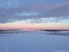 Sunrise on the top of the Kaunispää (02) | saariselka.com, more about Saariselkä www.saariselka.com #saariselka, #saariselkabooking #astueramaahan #stepintothewilderness #saariselankeskusvaraamo
