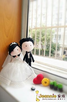 Amigurumi bride and groom wedding dolls by jeanniezhong. (Inspiration).