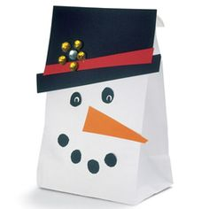 Snowman Gift Bag and other wrapping ideas. Christmas Bags, Christmas Projects, Holiday Crafts, Holiday Fun, Christmas Snowman, Snowman Party, Snowman Crafts, Preschool Christmas, Christmas Activities