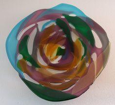 """Flower Bowl of fused glass. """"Heideroosje""""."""