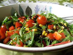 Den här salladen innehåller många nyttigheter och är snabb att laga, den är bra när du är hungrig och behöver äta snabbt. Tillagningstid: 15 minuter, om du använder färdigkokta bönor. Näringsvärde ...