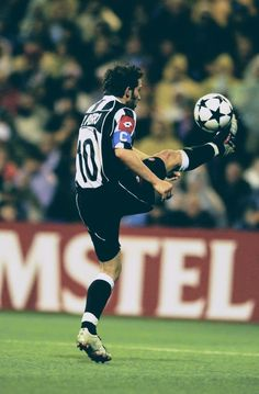1cadeecf7a5 18 best adp10 images | Football players, Soccer Players, Football soccer