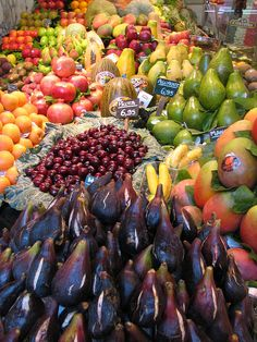 My fav Barcelona market-- Boqueria eating in season is key to nutritional variety antiageingsavantess.com