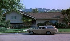 Brady Bunch House Today  The average estimate for the Brady's residence is $1.4 million. This means today, Mike Brady would have to be raking in the dough to afford this home and support six kids (with enough money left over to hire a live-in maid).  The last time the house was sold was in 1973, one year before The Brady Bunch went off the air. The price back then? Only $61,000.