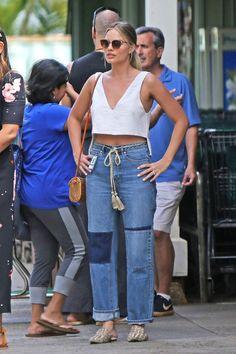 Margot Robbie in urban fashion streetwear. Double Denim, Urban Fashion, Look Fashion, Fashion Kids, Girl Fashion, Queer Fashion, Fashion Styles, Fashion Dresses, Rebecca Taylor