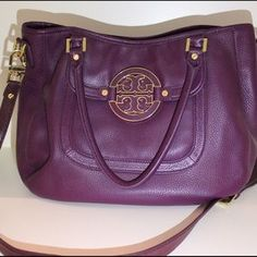I just discovered this while shopping on Poshmark: MAKE AN OFFER❗️Tory Burch Amanda Hobo. Check it out!  Size: OS