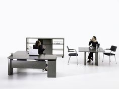 Connect - Posto de trabalho e mesas de reunião de direcção.